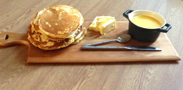 Scotch Pancakes with butter and lemon curd jam